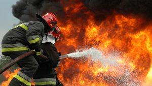 Локомотив эшелона с углём и серной кислотой загорелся в Донбассе