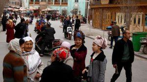 Китай приглашает дипломатов из мусульманских стран посетить Синьцзян