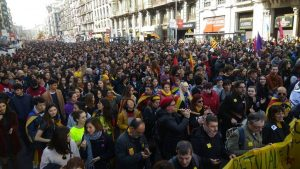 Каталония взбунтовалась и требует освободить своих лидеров