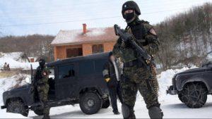 Албанцы напали на сербскую деревню и разграбили её, устроив стрельбу