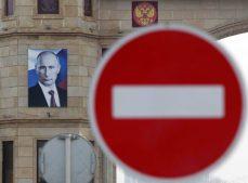 Политолог США: Россия победно оседлала войну санкций
