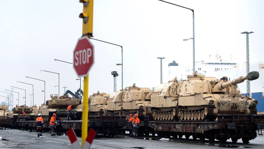 Генсек НАТО Йенс Столтенберг сообщил, что альянс в течении двух лет построит в Польше складской объект для хранения военной техники США. На строительство планируется направить $260 млн.