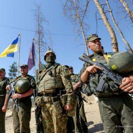 Накануне «выборов» боевиков ВСУ в Донбассе «поставили во фрунт»
