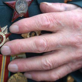 Латвия хочет упразднить советскую форму на День Победы, «приравняв» СССР к Рейху