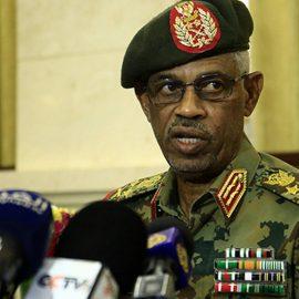 Лидер госпереворота в Судане отправлен в отставку временным правительством