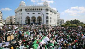 Алжир протесты
