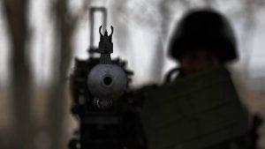 Снайперский огонь ВСУ испытали на себе журналисты ВГТРК в Спартаке