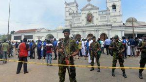 В результате взрывов произошедших в трех отелях и трех церквях на Шри-Ланке погибли по меньшей мере 160 человек, еще более 400 человек получили ранения. Ответственность за теракты пока никто не взял.