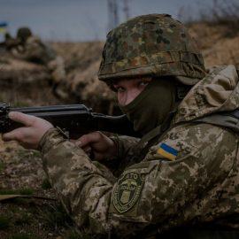 «Война на паузе?»: Вопрос Донбасса пока не поднимут ни Кремль, ни Зеленский