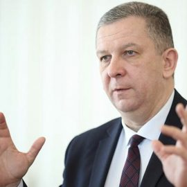 Уж кто бы рот разевал: Министр Рева видит в пенсионерах Донбасса «мразей»