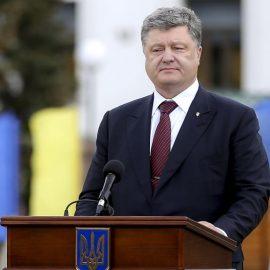 Порошенко во Львове пообещал, что не позволит Украине стать частью Российской империи