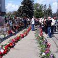 Неизвестные сожгли на Куликом поле в Одессе импровизированные памятные таблички, на которых были запечатлены имена погибших во время жуткой трагедии, произошедшей 2-го мая 2014 года.