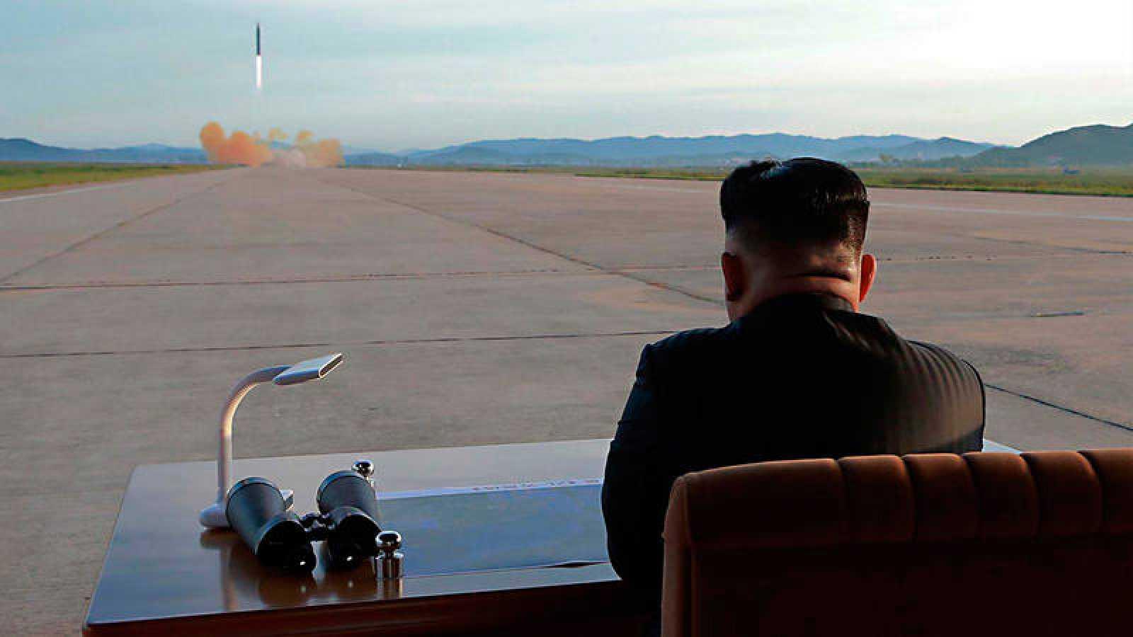 Ким Чен Ын на ракетных испытаниях КНДР