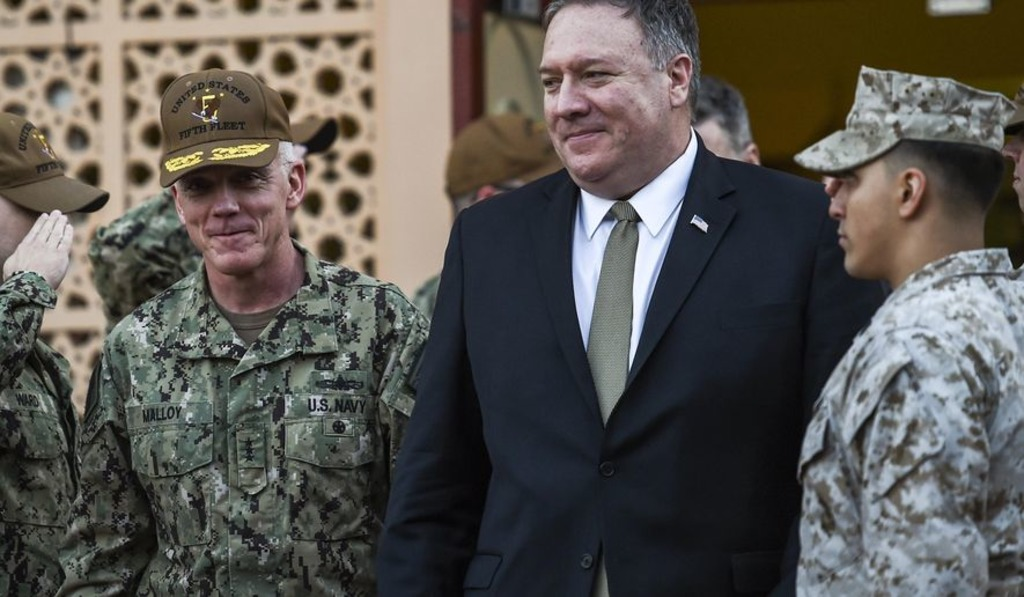 Американские корабли иморпехи несутся  кберегам Ирана