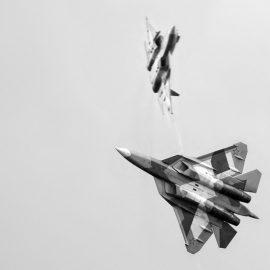 Путин поручил создать три полка Су-57