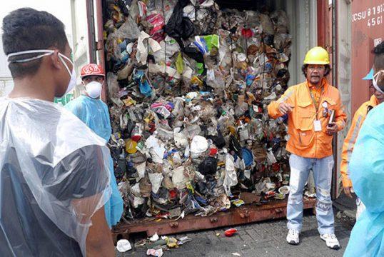 привезенный на Филиппины токсичный мусор из Канады
