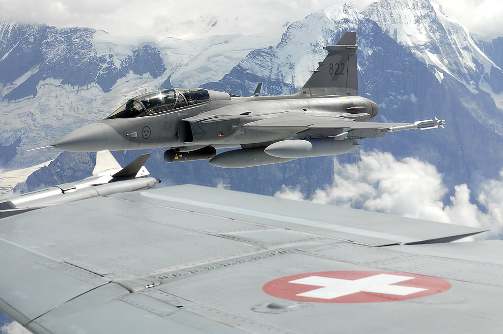 JAS-39D и F-18 ВВС Швейцарии