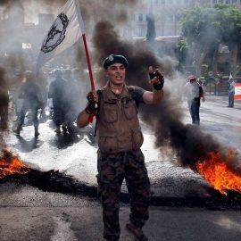 Протестующие попытались штурмовать здание правительства Ливана