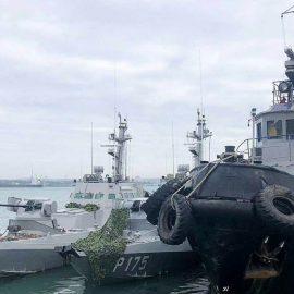 В Одессе прошел марш в поддержку моряков, устроивших провокацию в Керченском проливе