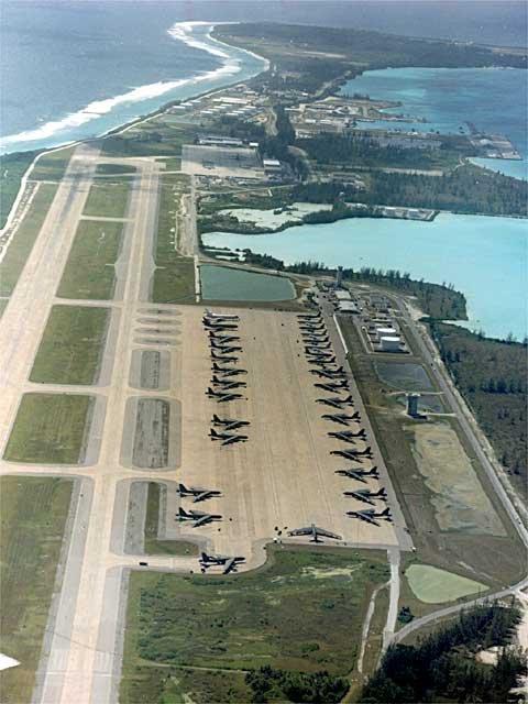 военная база Диего-Гарсия с бомбардировщиками США