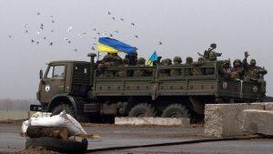 Восемь украинских военных попали в плен на Донбассе