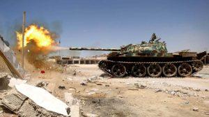 Ливийская национальная армия (ЛНА) маршала Халифы Хафтара ри поддержке военно-воздушных сил страны продвигается к югу и востоку столицы Триполи и уже завершили полную зачистку кварталов Баррия.