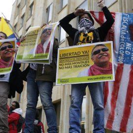 Хрупкий мир между властями Колумбии и партизанами рушится из-за США