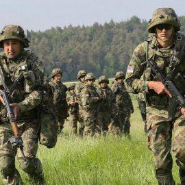 Сербия привела армию в полную боевую готовность в связи с событиями в Косово