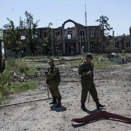 Боевики ВСУ вновь бьют по жилым районам Донбасса