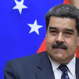 Мадуро заявил об открытии границы с Колумбией