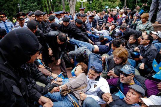 протесты и задержания в Казахстане