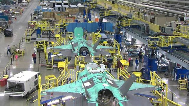 производство истребителя F-35