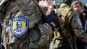 Представители радикальной неонацистской группировки С-14, которые известны тем, что систематически терроризировали противников экс-президента Порошенко и Майдана, в этом году не намерены противодействовать участникам ЛГБТ-прайда, стартовавшего вчера в Киеве.