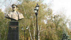 В ходе сегодняшней сессии горсовета Харькова депутаты, рассмотрев петицию о возвращении проспекту Григоренко имени маршала Георгия Жукова, набравшую за сутки более 50 тысяч голосов, вернули историческое название проспекту.