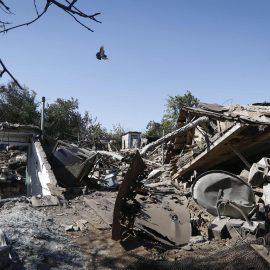 Киев обязан остановить войну против Донбасса, а не искать виновных – украинский журналист