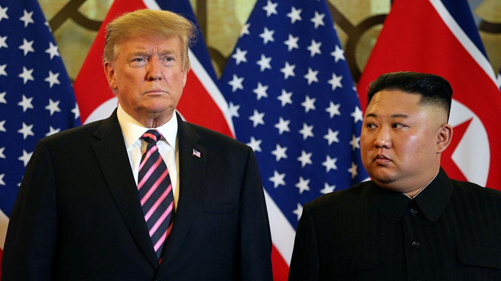 Президент США Дональд Трамп сообщил о решении продлить на год режим чрезвычайного положения, предусматривающий ограничительные меры против КНДР. Среди угроз, исходящих, по мнению Вашингтона, от КНДР, упоминается ядерное оружие и риск его распространения.