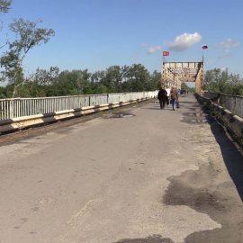 Мост позора, или За что Зеленский получил первую зарплату