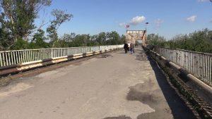 мост ЛНР-Украина, пенсионеры, КПП Станицы Луганской