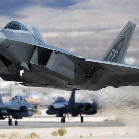 США перебросят на Ближний Восток дополнительные истребители