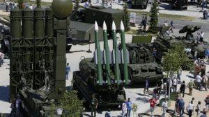 Россия отказалась от доллара при поставках вооружения