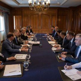Зеленский позвал украинцев Канады приезжать не в гости, а домой