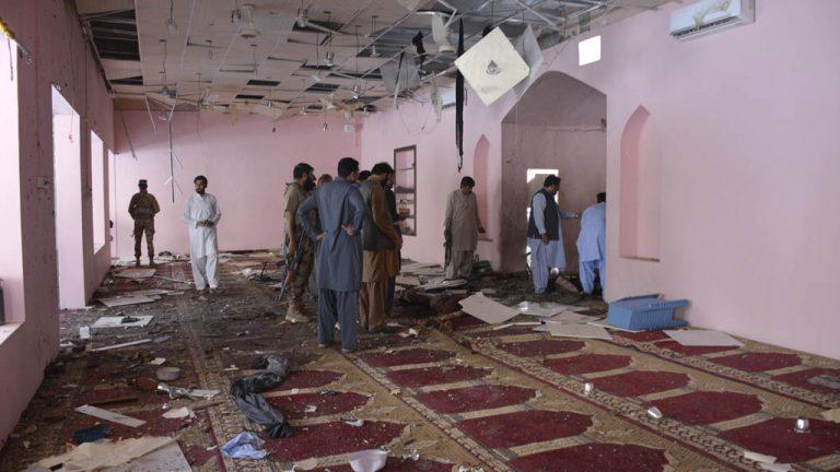 В результате взрыва в афганской мечети пострадали более 20 человек