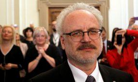 Новый глава Латвии оконфузился на инаугурации