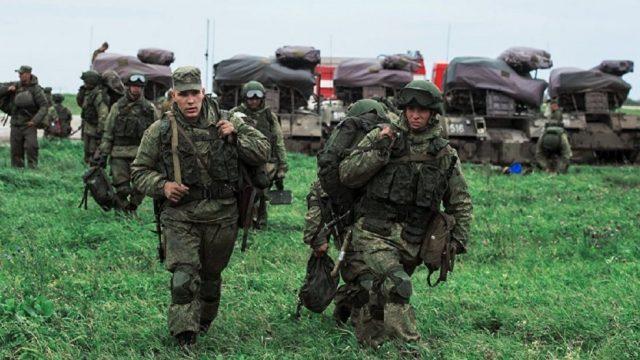 Манёвры частей ВДВ ВС России в Крыму напугали украинского генерала