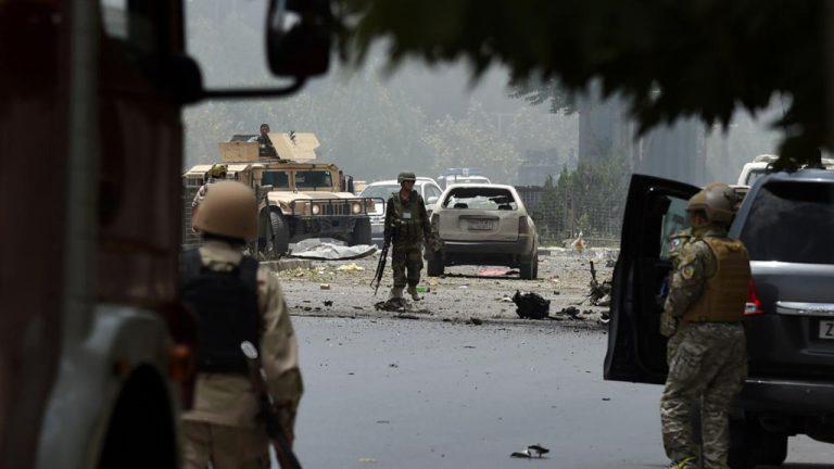 В результате нападения Талибов на гостиницу в Афганистане погибли четыре человека