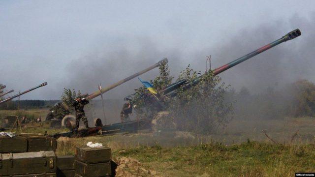 «Мир» по-украински: Боевики ВСУ утюжат артиллерией юг ДНР