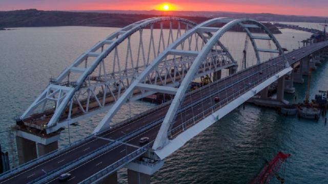 Турчинов: Киев способен «за минуты» снести Крымский мост