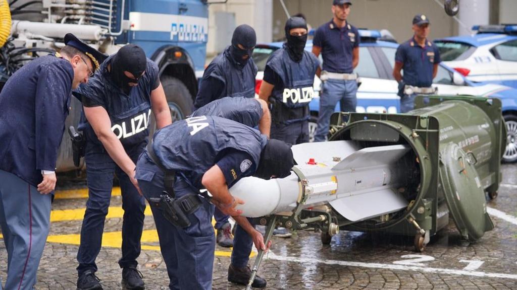 изъятая у радикалов Италии ракета, 15 июля 2019 года