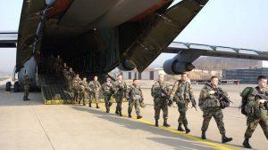 Исполняющий обязанности главы Пентагона Ричард Спенсер одобрил переброску дополнительного контингента американских войск численностью свыше 500 военнослужащих в Саудовскую Аравию. Ранее Король Саудовской Аравии Сальман бен Абдель Азиз Аль Сауд заявил о согласии на переброску в его страну контингента ВС США.