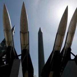 США и Япония ищут способы перехватить необычную северокорейскую ракету
